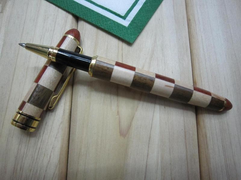 wooden-pen-18