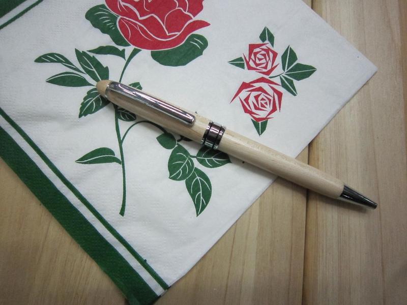 wooden-pen-19